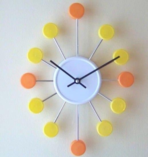 Jam Dinding dari Tutup Botol